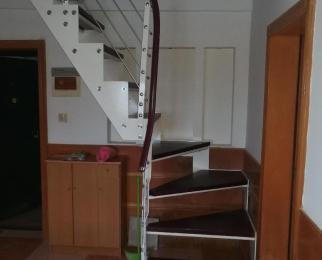 蓝旗新村4室2厅1卫113平方产权房精装