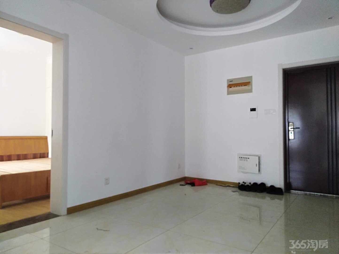 云鼎国际2室2厅1卫84平米2008年产权房精装