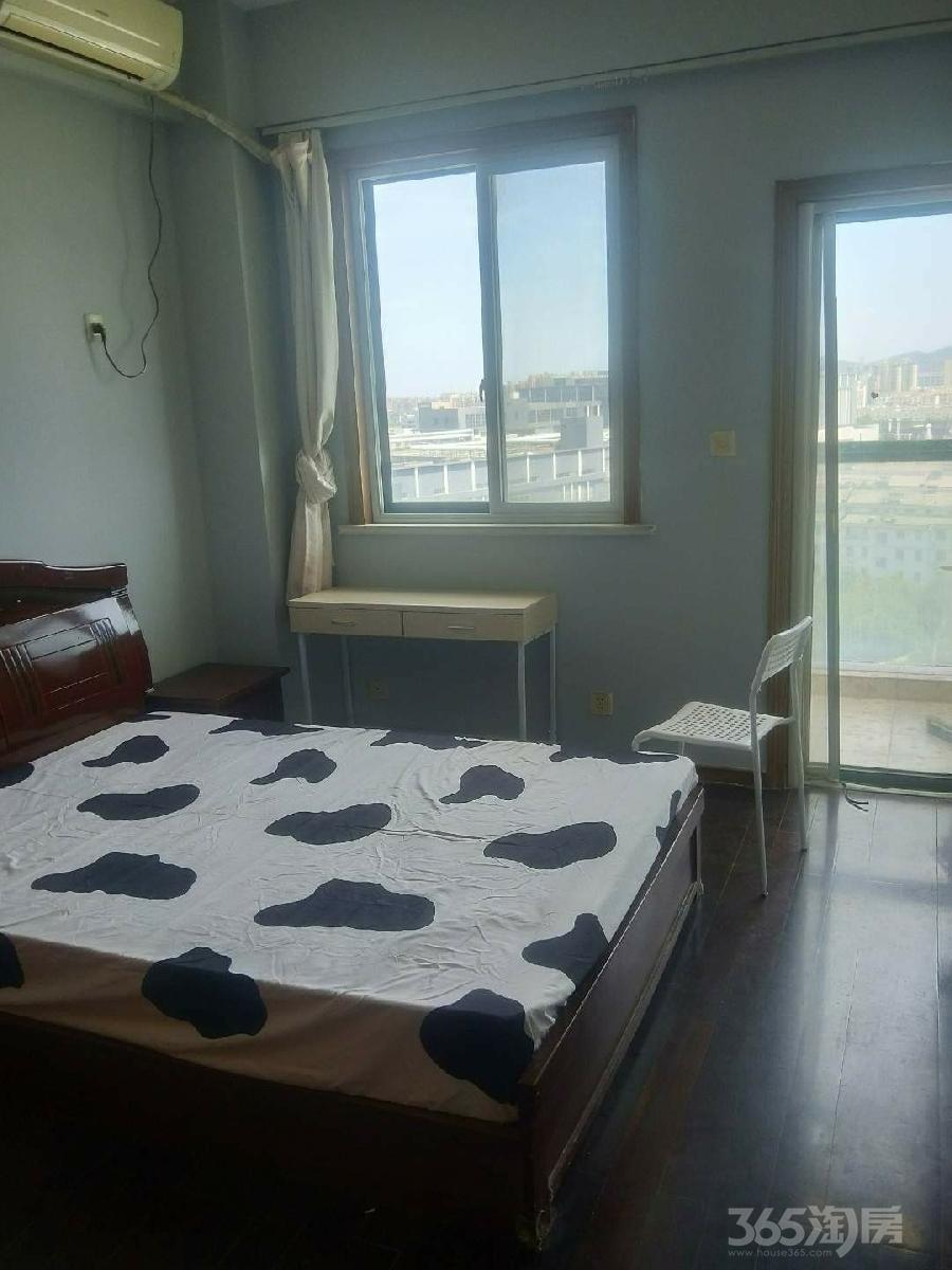 白领生活馆3室1厅1卫25平米合租精装