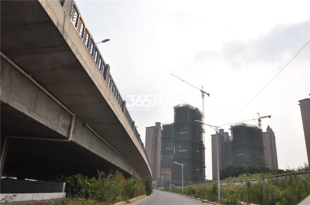 雅居乐滨江国际实景图(8.23)