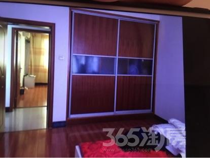 白马小区二期3室2厅1卫105平米精装房