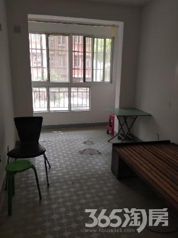 弋江家园一期,架空层1楼中装修,小区周边配套齐全,