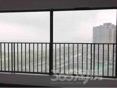 伟星蔚蓝海岸3室3厅3卫131平米毛坯产权房2018年建