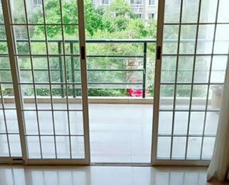 新新家苑多层3楼3室2厅2卫132平方产权房精装