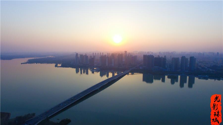 光影珠城第10期:岸曲湖翠游龙醉 水静风柔品深幽
