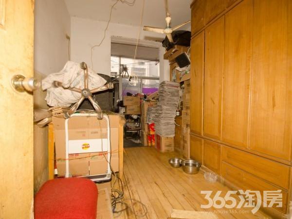 房子满五不简单装修 一楼带院子