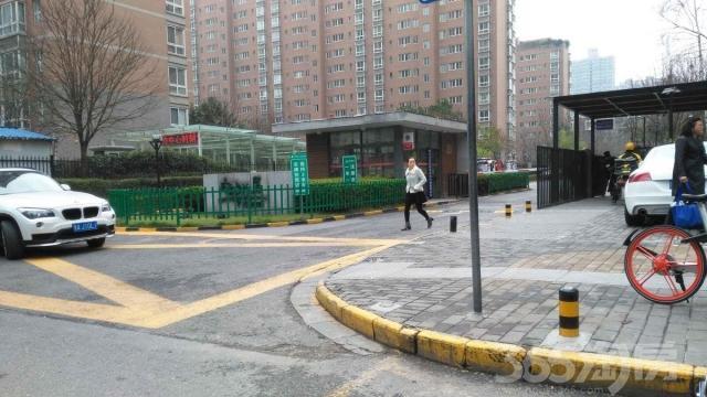 凤城八路高端小区三室两厅两卫空房出售可按揭没有其他税费