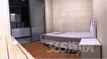 中南白马湖壹号公寓3室2厅2卫90平米合租中装
