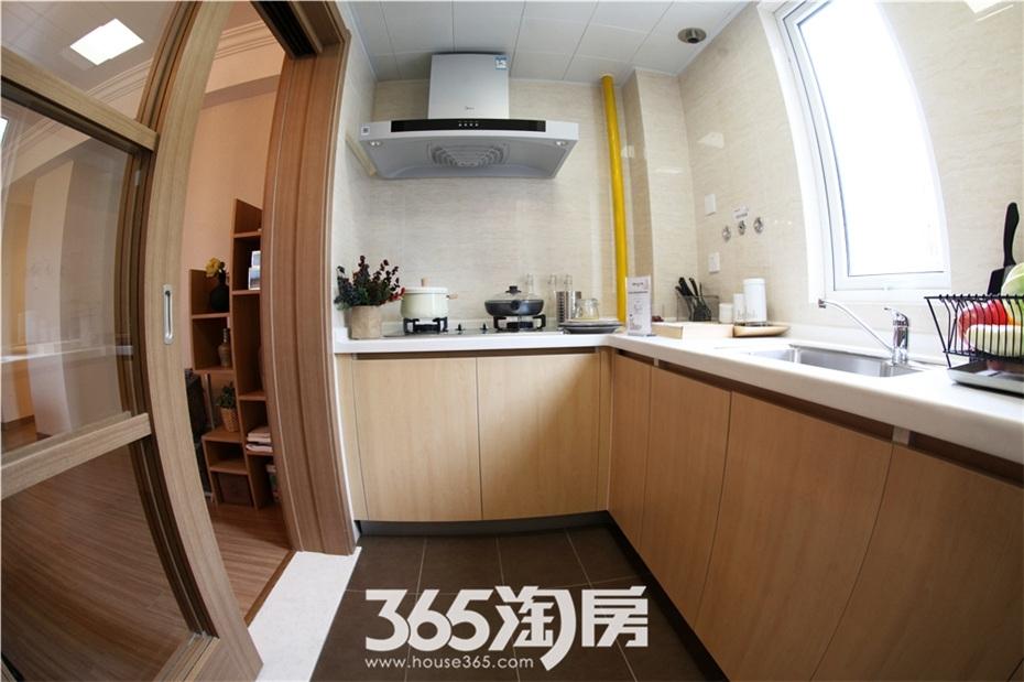 万科海上传奇16#楼A1户型97平样板房—厨房