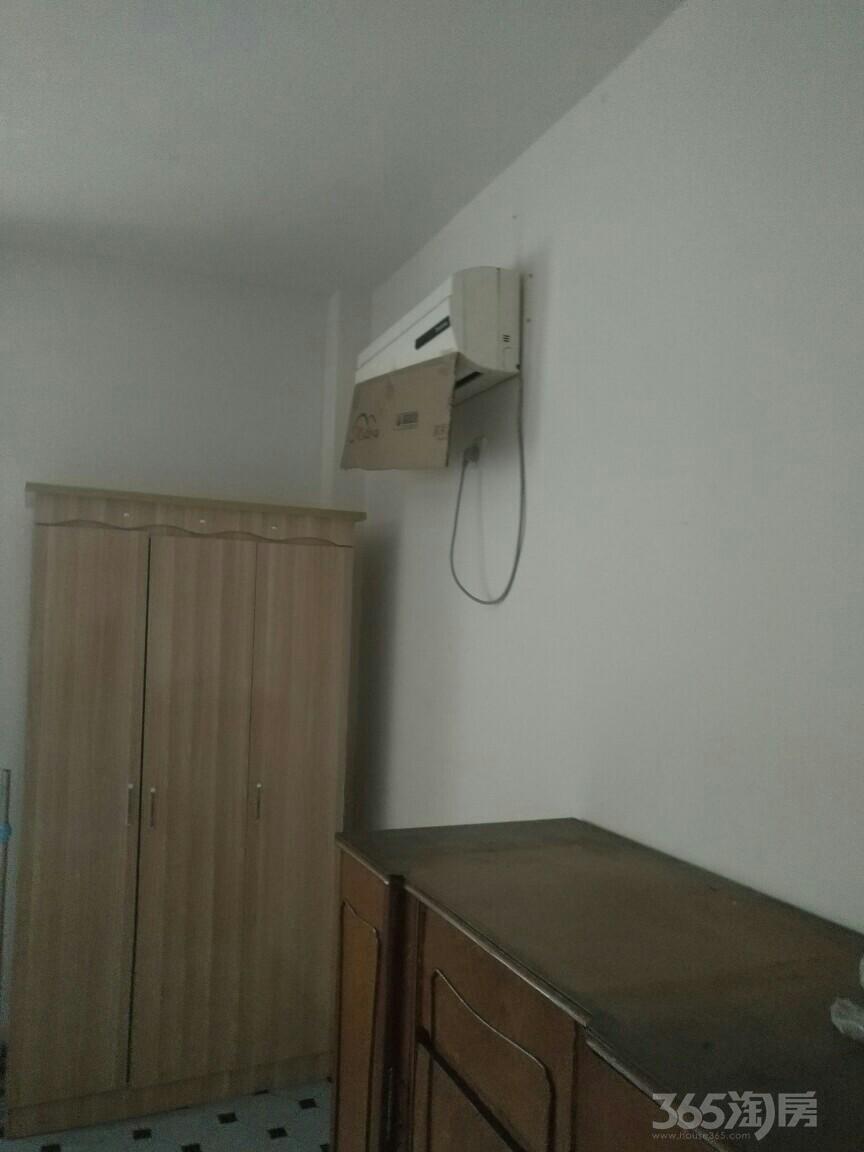 山水人家单身1室1厅1卫50平米3年产权房简装