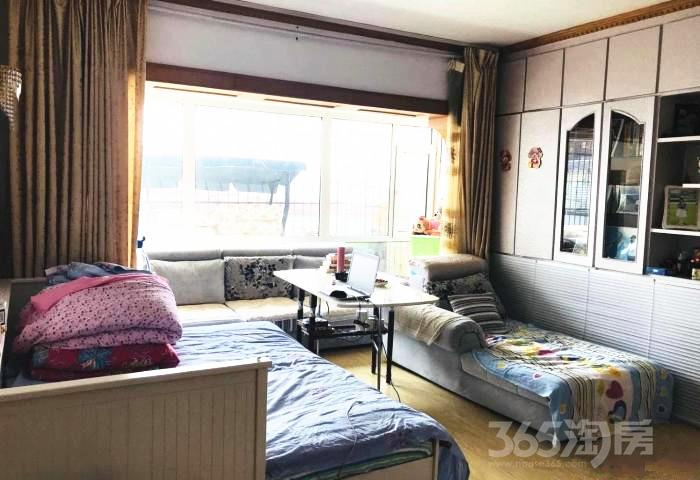 建大三小区2室2厅1卫99.45平米2010年产权房精装