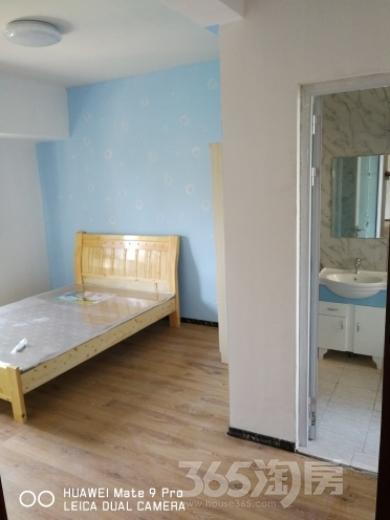 保利鑫城3室2厅2卫15平米合租精装