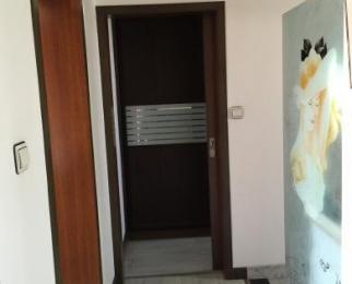 秦虹小区集虹苑4室2厅2卫131.41平米豪华装产权房199