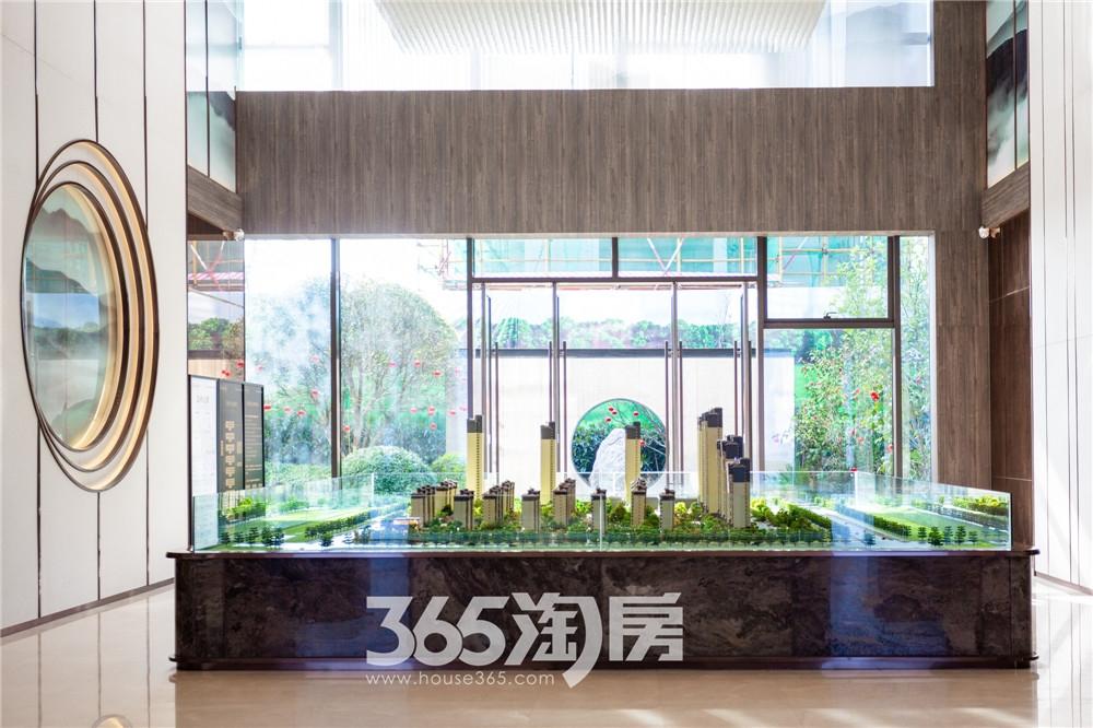 华强江山府营销中心实景图,沙盘简单明了(2020.4月摄)