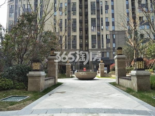 海亮天御 小区喷泉台 201804