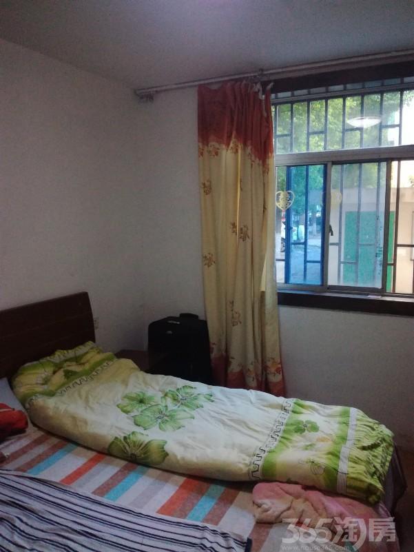 万达人民医院市政府附近的莲花四区2室1厅中装空调3台等设施齐