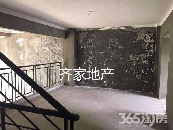 急卖 艺江南联排别墅 无税 二十九中 轻轨一号线 急急急.
