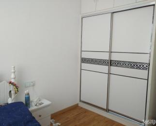 地铁口 居家装修 三房 架空一楼 家电齐全 有钥匙 随时看