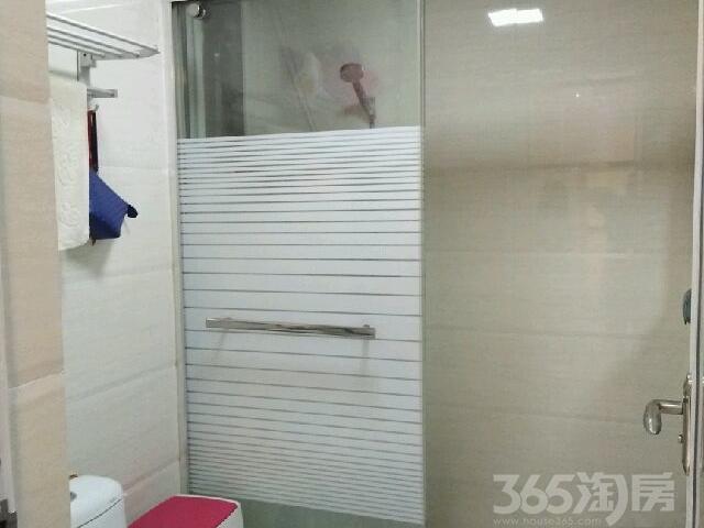 海亮明珠2室2厅1卫80�O2014年使用权房豪华装