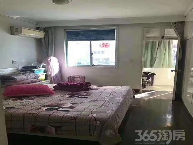 海马里3室2厅1卫87.04�O1996年产权房精装