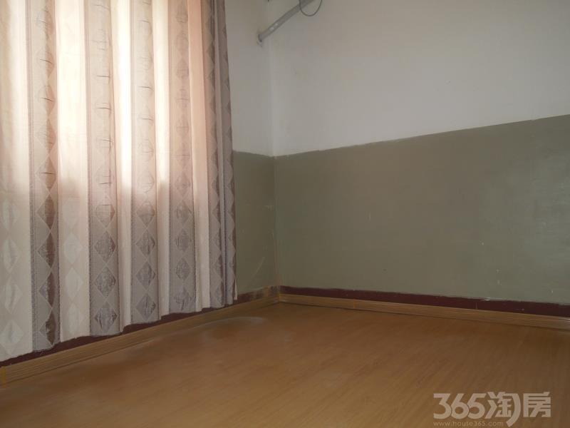 飞苑小区3室1厅1卫82㎡整租简装