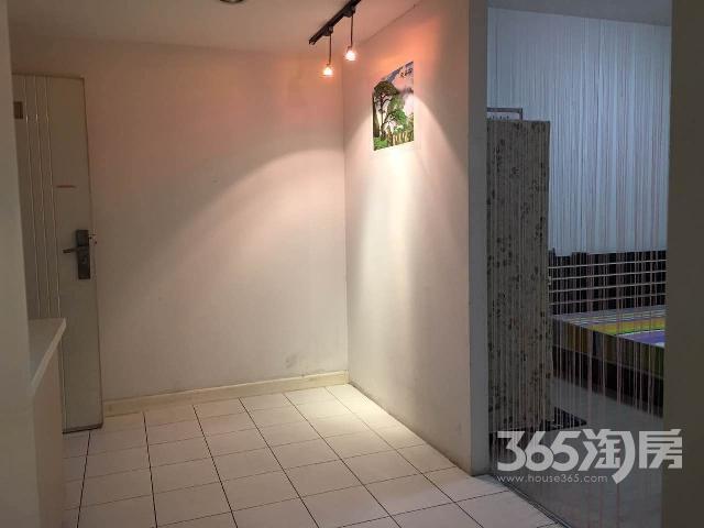 新城市广场1室1厅1卫58�O地铁房