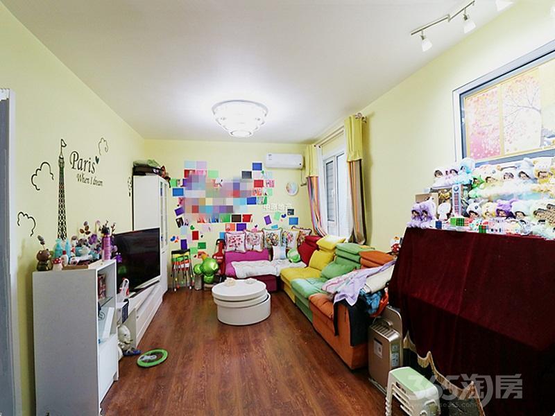 香缇花园3室2厅2卫90平米2013年产权房精装