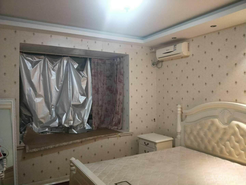华辰嘉园3室2厅1卫110平米整租精装
