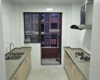 1200空精装2房 干净舒适 橡树城 86平 多层6楼