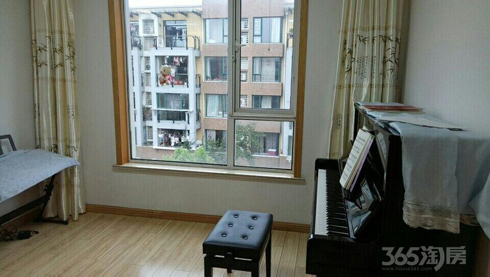 凤凰城南岛玉竹1栋三窒二厅一厨一卫精装修对外出租