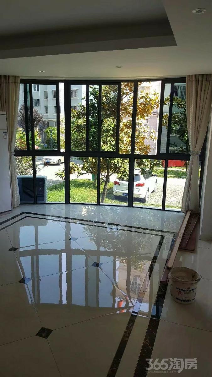 鸠兹家苑和园3室2厅1卫106平米2007年使用权房豪华装