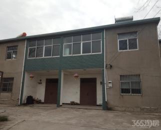 陶吴镇陶小路4室2厅2卫200平米整租简装