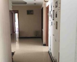 明发滨江新城三期4室2厅2卫30平米合租精装