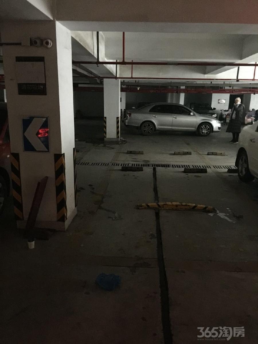 伟星平湖秋月8平米车位使用权房