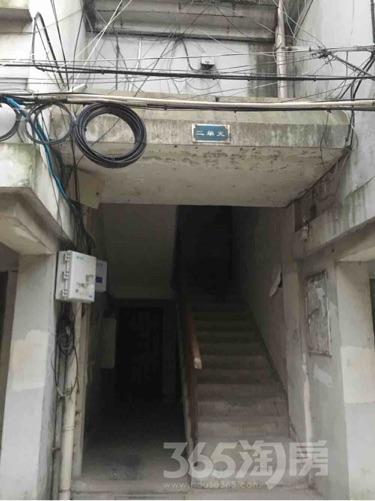 镇南新村2室2厅1卫88平米中装产权房2006年建满五年