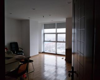 300平精装办公室出租,靠近繁华大道,交通便利,付款