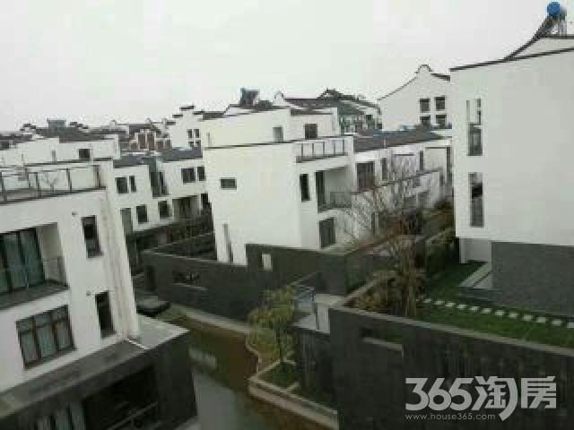 御江南4室2厅3卫220平米2012年产权房毛坯