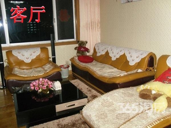 锦绣南园4室2厅2卫150�O整租精装
