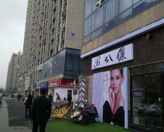 河西万达广场 70平商铺出租 路口位置 车位充足 可做餐饮