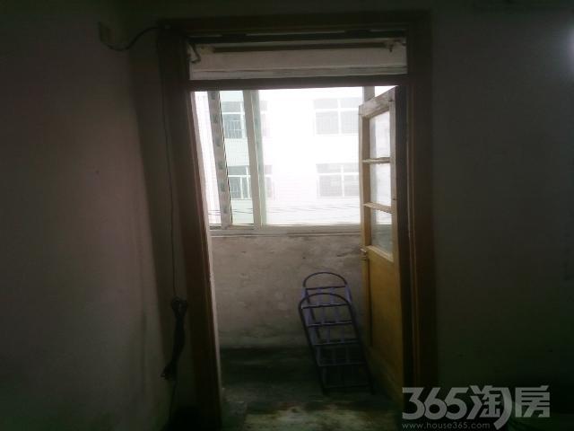 奋勇街小区2室0厅1卫49�O整租中装