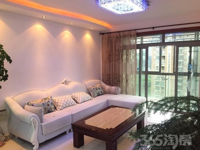 翡翠国际 精装三房 房东自己住的刚搬走 楼层采光都很不错的哦