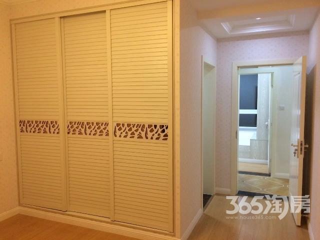 万业观山泓郡4室2厅2卫145㎡整租豪华装