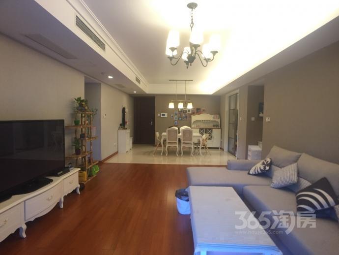 仁恒江湾城3室2厅2卫153平米精装产权房2012年建