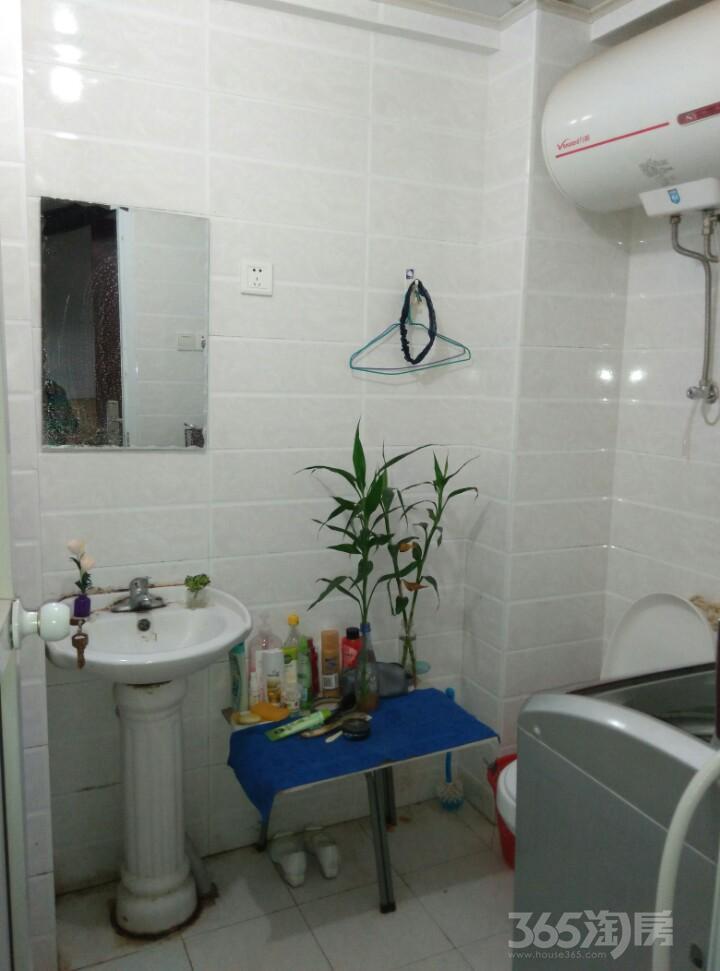 中央城D区精装单身公寓优惠出租