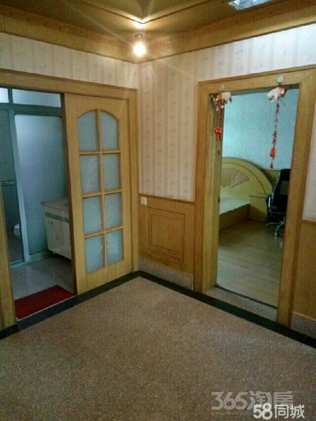 扬州市江都区邵伯镇2室1厅1卫85平米70年产权房简装