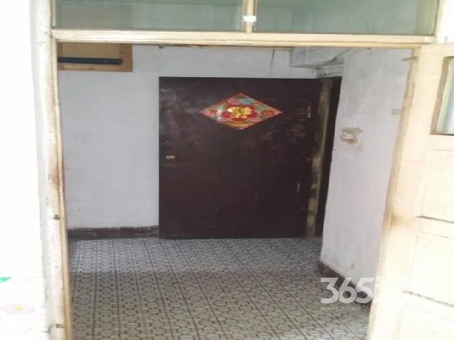 长江南小区1室1厅1卫40�O整租简装