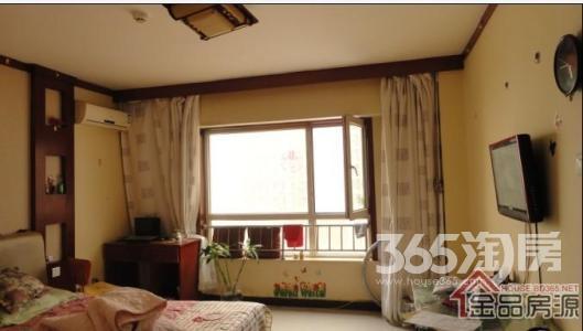 金桔花苑1室1厅1卫11平米