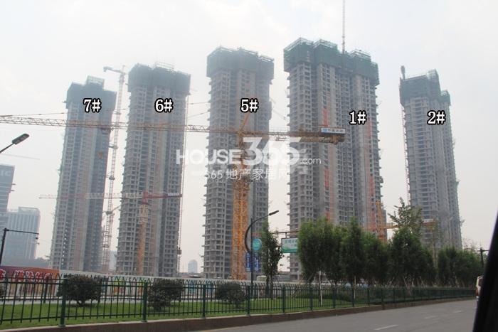 理想银泰城项目1、2、5—7号楼施工进程图(2015.8)