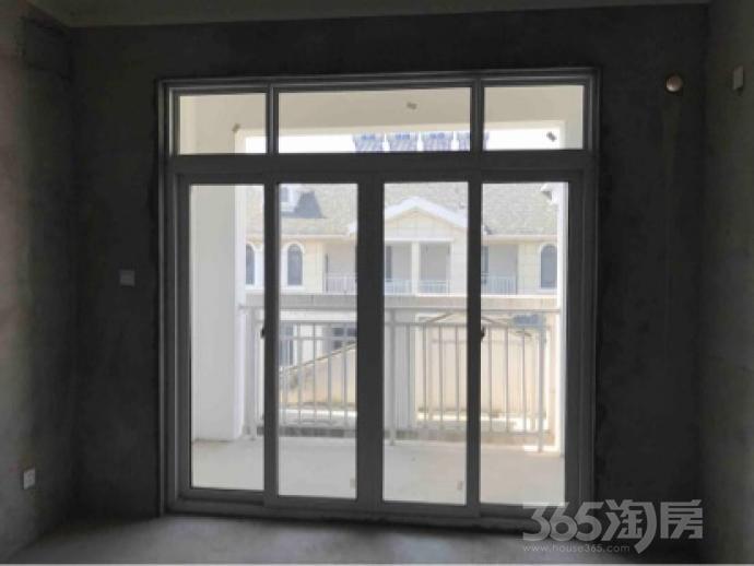 芳草名苑5室2厅3卫260平米毛坯产权房2015年建