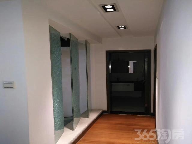 丽景苑3室2厅2卫185�O2003年产权房精装